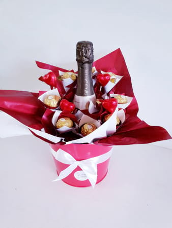 Ferrero bouquet with wine